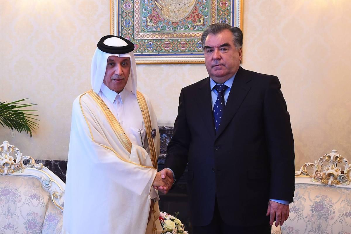 اجتماع مع وزير الدولة للشؤون الخارجية بدولة قطر سلطان بن المريخى