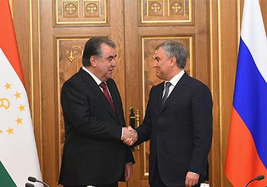 لقاء مع رئيس مجلس الدوما الروسي فياتشيسلاف فولودين