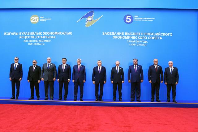 الحضور في اجتماع المجلس الاقتصادي الأوراسي الأعلى للاتحاد الاقتصادي للمنطقة الأوروبية الآسيوية