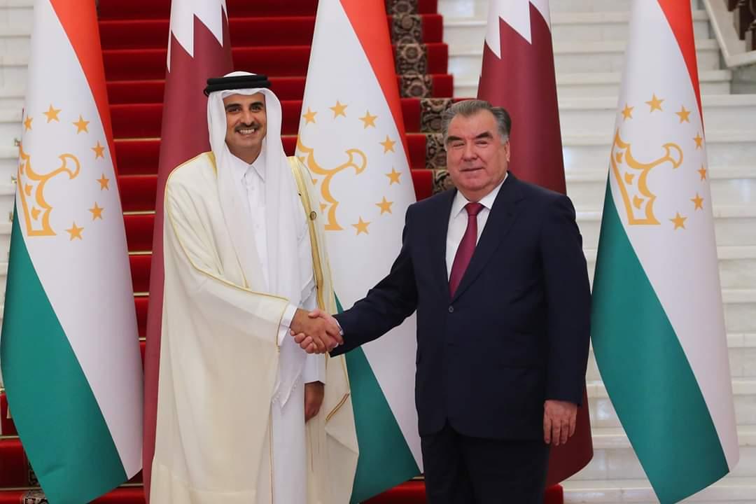 سمو الأمير يعقد مباحثات رسمية مع رئيس طاجيكستان