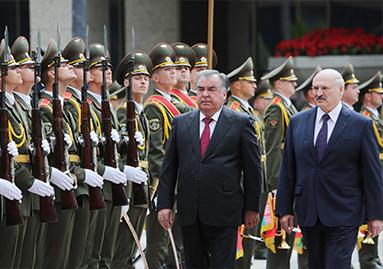 """حفل لاستقبال الرسمي في """"قصر الاستقلال"""" في بيلاروسيا"""
