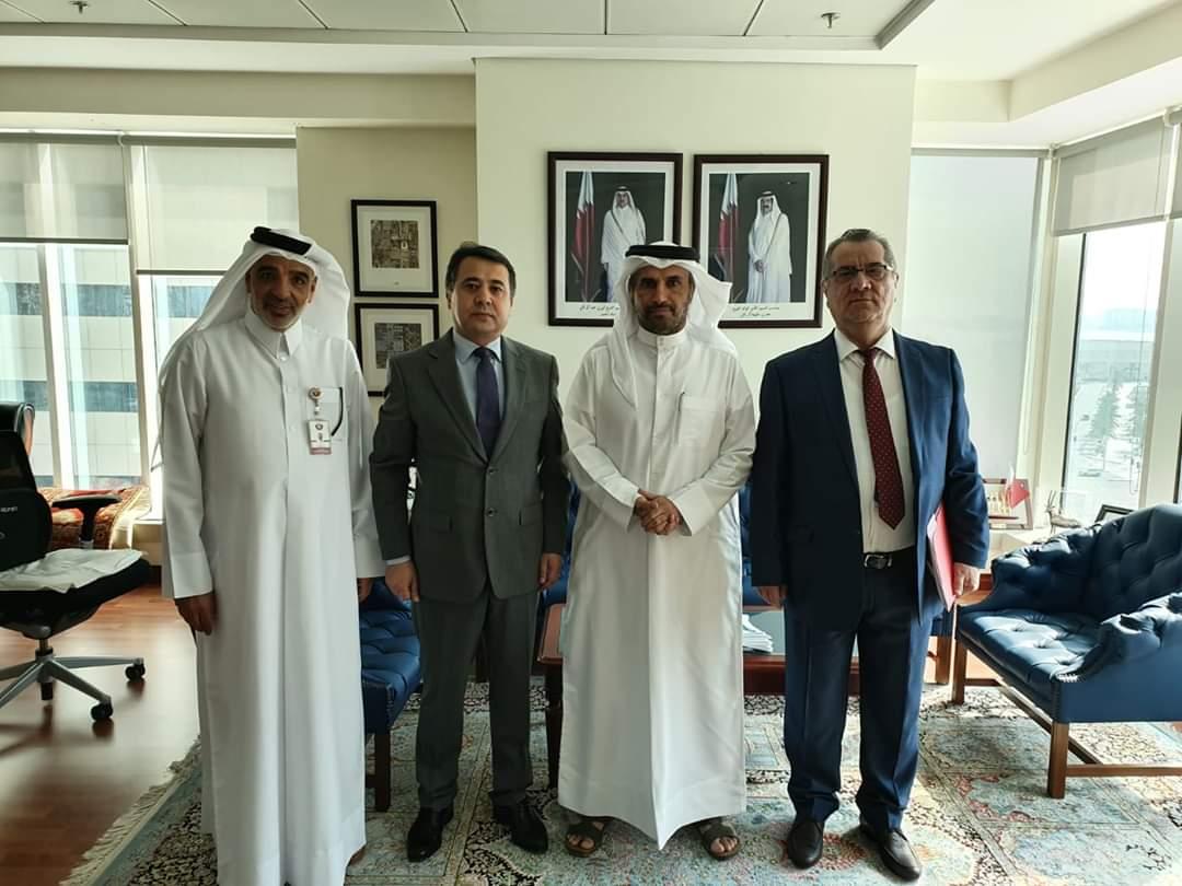 لقاء السفير مع السيد حمد محمد الزكيبا مدير إدارة الثقافة والفنون بوزارة الثقافة والرياضة القطرية