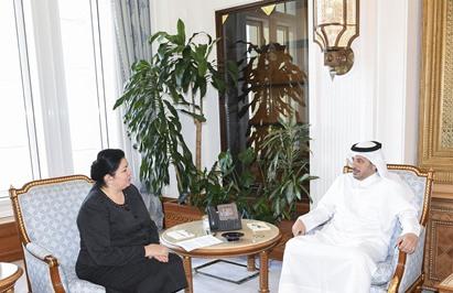 Prime minister meets Tajikistan minister